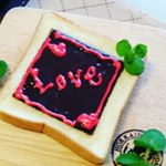 バレンタイン家族みんなで仲良し、朝から、甘口💓♥❤ #愛の木に願いを #メリーチョコレート #monipla #mary_fanのInstagram画像