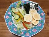 もち吉のうす焼きサラダの画像(2枚目)