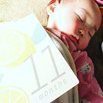 フェリシモのマンスリーフォトカードがとても可愛くて、もっと早く出会えていればおちびの可愛い写真がたくさん撮れていたのに!!って後悔…😅 マタニティでも出産後でも1年間長く使えて、生まれた時の記録も書け…のInstagram画像