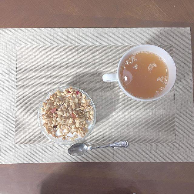 口コミ投稿:.【朝ごはん】.ダイエット中のわたしの朝ごはんスープとグラノーラいろんな種類があ…