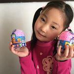 プレイフォームパルズを頂きました🤗つぶつぶ粘土😆いつもYouTubeで見てたから子供たちは大喜び😆😆😆ベタつかないし中にはかわいいお人形が入っててとっても楽しめました。価格も600円でお手頃で…のInstagram画像