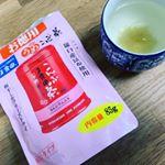 玉露園の、こんぶ茶飲んでみた🌸これは顆粒タイプやからお手軽。ティースプーン半分の量を熱湯で注くだけ❗️ 量すくないし、色薄いし少なすぎちゃう?って思ったけど丁度良かった😆梅の味…のInstagram画像