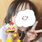 娘とパーラービーズで遊んでみました💕ビーズを台に並べてアイロンするとくっ付くの!簡単に可愛いケーキの完成😆娘も気に入った様子です😆💕 #パーラービーズ #perlerbeads #perl…のInstagram画像