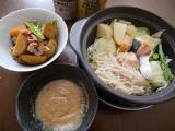 ねこぶだしで作る味噌だれと春キャベツと甘塩鮭の土鍋蒸しの画像(1枚目)