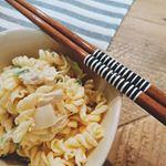 昨日作った#常備菜 「#ツナたまマカロニサラダ 」モンマルシェのツナ缶の中で、一番大好きな#国産赤唐辛子入りピリ辛ツナ だいたいはメイン料理に使うけど、今回は#副菜 に😊ツナ・ゆで…のInstagram画像