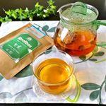 .今日の午後は…株式会社TIGERさんの『生葉(ナマハ)ルイボスティー』で、ほっこりと。.この生葉ルイボスティーは、蒸気を使うことであえて発酵を止める、日本の緑茶のような日本茶製法でつ…のInstagram画像