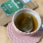 生葉ルイボスティーをお試しさせていただきました😊普段からルイボスティーは飲んでいるのですが、生葉は初めて‼️いつも飲んでいるルイボスティーとは全然違い、紅茶のような味がしました😊クセがなく…のInstagram画像