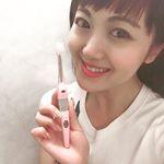 💚My携行#歯ブラシ 💚 普段使いはもちろん急な撮影にも重宝している こちら・・・ PREMIUMイオン歯ブラシ「KISS YOU」イオン のちからで#歯周ケア 👄ができる「極細コンパクト #…のInstagram画像