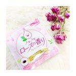 🌹スルスルローズの香り 【香りがいいともっと愛される】愛されたいのではじめました🙋♀️.袋を開けた瞬間から、お上品なバラの香りにうっとり🌹♡1日2粒🌟つるっとした粒で飲み…のInstagram画像