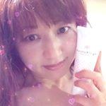 アンドシーム株式会社@andshim_official から累計販売数20万小個突破❣️人気商品【グラミーバストクリーム】大きさや形、色、ハリツヤ…胸の悩みって尽きないですよね💦…のInstagram画像
