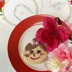 アートキャンディ様の母の日にがおえクッキーをデコってみました😊💓・長女に任せてみたところすっごいかわいくしてくれて食べるのがもったいないです❤️・クッキーと似顔絵とプレゼントを母の日に…のInstagram画像
