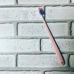 機能性歯ブラシと、ファッションを掛け合わせたHAIKARA:full(ハイカラフル)。○Dupont社の高品質ナイロン毛を使った歯ブラシに、ファッション指向を意識したカラーリングが使われていま…のInstagram画像