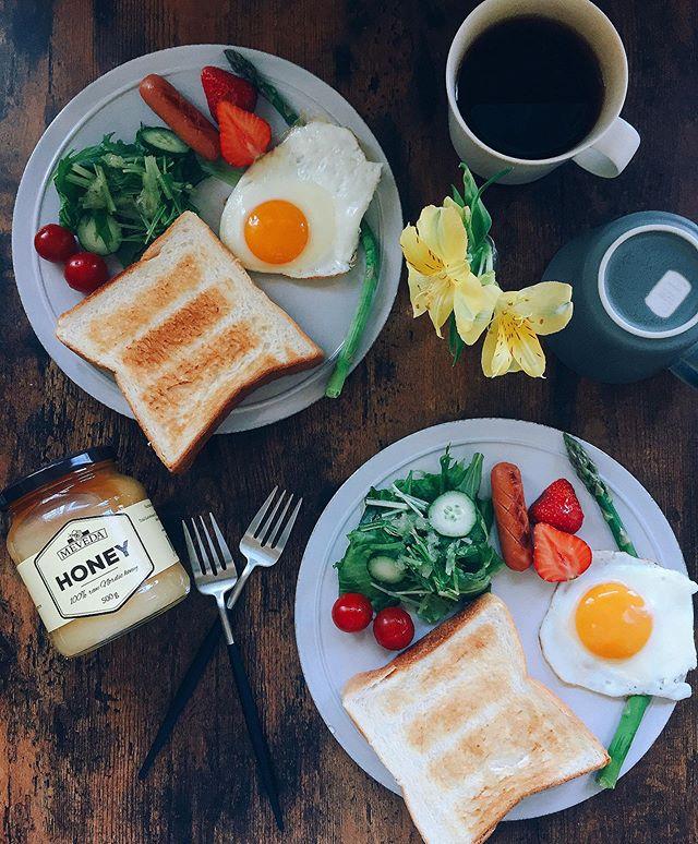口コミ投稿:5月25日(土)朝ごはん厚切りトーストに美味しいハチミツをかけてハチミツトーストで朝…