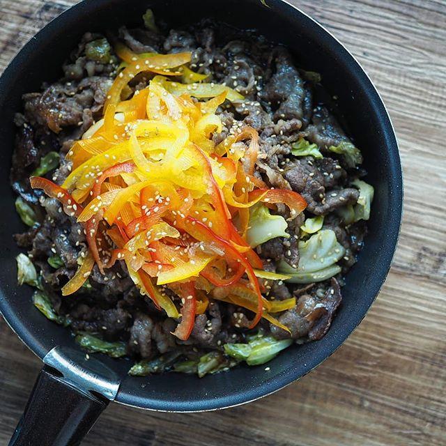 口コミ投稿:.夜ご飯神戸元町辰屋様よりいただきました神戸牛400gたっぷり野菜と一緒に焼肉丼にし…