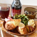 𓇼𓇼𓈓𓄇𓄇𓈓𓇼𓇼こんにちは😊最近の休日ブランチです♫.美味しいパンと野菜たっぷりワンプレートでほっこり🥖🥗新横浜へ出張した時に#プルミエサンジェルマン で買ってきました✨名前忘…のInstagram画像