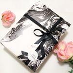 #スウェットテクノロジーローション#ヒューマンインネイトオイルクリームこちら美しすぎる47歳、水谷雅子さんも愛用しているアイテムおしゃれな包装にリボンまでかかって、素敵な贈り物…のInstagram画像