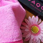 水に濡らして拭くだけ簡単メイク落としSAQULAクレンジングタオル✨細かい特殊繊維が肌にしっかり密着。水に濡らして拭くだけタオル。ふわっふわのタオルです。柔らかくて肌ざわり…のInstagram画像