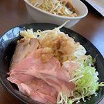 週末のご飯。金曜の昼は旦那と@gokunikumen.taishi たいしへ!予定はいきなりステーキに行く予定だったけど、予定変更!どちらも肉だし一緒だよねって感じで。旦那はラ…のInstagram画像