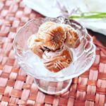 🔹🔹アイス梅🔹🔹 🔹梅をデザートのようにいただくアイス梅。冷凍することによって、表面がシャリシャリとした食感に❗果肉は、ねっとり梅あんのように甘酸っぱくて柔らかな和菓子感覚。大…のInstagram画像