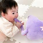 ..yumeがおる時はルナの人形触ろうとしたらすぐ取り上げられるから触れへんkeina🤣✨..ねぇねが幼稚園の間はおもちゃ使い放題❤︎w..思う存分楽し…のInstagram画像