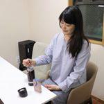 TASLYのヴィ・プーアル茶。粉末タイプだから簡単に作れちゃう。お水でもきちんと溶けるよ♪炭水化物の糖への分解を抑える効果も期待できちゃうんだって!だから少し痩…のInstagram画像
