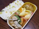 ある日のお弁当(鶏肉と根菜類の炒め物)の画像(2枚目)