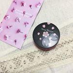 ・・・今回ご紹介するのは『SAKURA CREAM』全身保湿用のクリームです٩( 'ω' )و・・とてもパケが可愛くて見てるだけで癒されます😊💗 香りもフローラルチェリーのほの…のInstagram画像