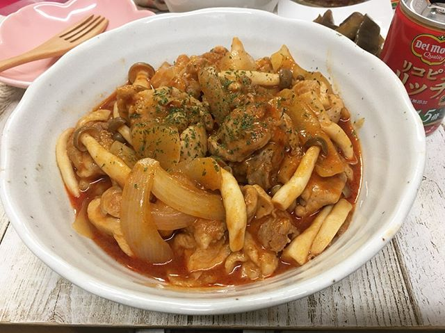 口コミ投稿:.今日は#リコピンリッチ 使って#チキンのトマト煮 ダヨ〜✨.トマトジュース、コンソメ…