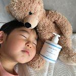 ママモデル東原亜希&エステティシャン高橋ミカの共同開発したミッシーリストをお試しさせてもらいました!デリケートな赤ちゃんから大人まで、体からお顔まで全身使える乳液タイプのミルクローションなんだ…のInstagram画像