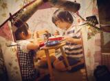 「子どもと食卓」の画像(2枚目)