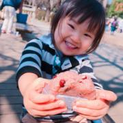 「パパ、召し上がれ❗」創業100周年記念第2弾!【こどもの笑顔あふれるおいしい食卓風景】写真コンテストの投稿画像