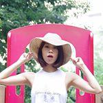 暑い日に備えて新しい麦わら帽子ゲットしててよかった〜👒😏✨..もう今日暑すぎだね💦.夏になると麦わら帽子❤️Chiaramenteのコットンハットはツバが大きめでスッポリ顔…のInstagram画像