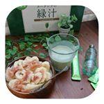 今朝の朝食\(^o^)/・💮ユーグレナの緑汁💮いちぢくとバナナヨーグルト・・ユーグレナの緑汁には何と59種類の栄養素が含まれています👏・石垣産のユーグレナ(ミドリムシ)…のInstagram画像