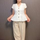プチプラファッションサイト、titivate(ティティベイト)のノースリーブペプラムブラウスを着てみました!の画像(1枚目)