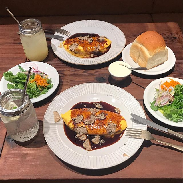 口コミ投稿:lunch〜!!夏休み外食多いからよく飲んでるサプリ〜食事にふくまれる脂肪や糖の…