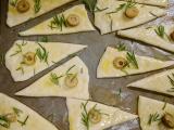 「コスタドーロのオリーブオイルで薄焼きフォカッチャ」の画像(10枚目)