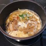 スープも具も全部入ってる便利な冷凍ラーメンがうまいっ!!なべやき屋キンレイ お水がいらない塩元師塩ラーメンの画像(7枚目)