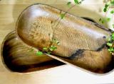 「アカシアプレートに盛り付ける鰯オイル漬け和風パスタ」の画像(1枚目)