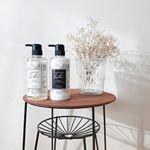 こんばんは🤗#マドンナリリ  のシャンプー&トリートメントをお試し💕モノトーンのシンプルなパッケージでおしゃれ❣️ケラチン由来の洗浄成分とオーガニックの力で、洗うたび髪を…のInstagram画像