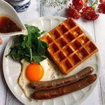 いつかのブランチ🍴手焼きのワッフルといろいろプレート。オリーブオイルと醤油でつくったドレッシングかけていただきます❤️ #GOYA #オリーブオイルのある暮らし #エキストラバージンオリーブオイル #…のInstagram画像