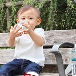 .@iwashimizu.water  さまのお水♡.お友達と公園に行ってたくさん遊んで水分補給🦁.息子にも好評で一本飲みきるまでずっと離さなかったよ😂💓..#岩深水 …のInstagram画像