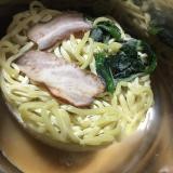 なべやき屋キンレイ「お水がいらない横浜家系ラーメン濃厚豚骨醤油味」を食べてみたの画像(7枚目)