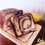 朝食から八天堂のとろける食パンが食べられる幸せ!! あの!クリームパンで有名な八天堂さんの食パンです!厚めに切って電子レンジで少し温めると、まさにとろけるーーー!!もちもち!ト…のInstagram画像
