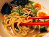 「鍋焼き屋キンレイ お水がいらない 横浜家系ラーメン」の画像(8枚目)