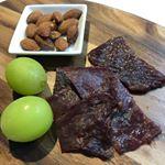 辰屋の神戸牛ビーフジャーキーが美味しすぎてやばい❣️肉好きには食べて欲しい‼️ビーフジャーキーなのにしっとり、噛めばジューシーで、噛みしめるほどに旨味が✨美味し過ぎる‼️ #神戸牛 #神戸肉#神戸…のInstagram画像
