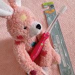 .9月発売の新商品。イオン歯ブラシionicをお試しさせていただきました🤗.子供用 母親磨き〜7歳.マイナスイオンで歯磨き粉がなくてもツルツルにきら✨これで娘のはもツルツル…のInstagram画像