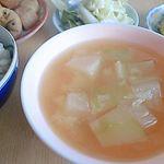 ..ニッコーフーズコーポレーション様の「豊の天然だし松」です。天然だしでお味噌汁を作ってみました!お出汁を取ってるときにとても良い匂いが😍冬瓜オンリーのお味噌汁ですがいつも…のInstagram画像