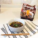 いつかのお昼ご飯達のローカロ麺!5種!しょうゆ、うま塩、和風しょうがゆず風味ちゃんぽん、チゲ(^^) 器に出してお湯かけて少し混ぜてから3分で出来上がり!*ローカロリーな麺( ̄…のInstagram画像