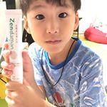 .息子お気に入りの #歯磨き粉.ゼンダマンって名前も気に入ったらしく自分から磨いて〜と歯ブラシと一緒に持ってきてくれます😊.元々歯磨き粉苦手では無いし好きでもない感じでしたが、自分…のInstagram画像