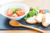 まるごとキューブだしでかぶとブロッコリーのトマトスープの朝食プレートの画像(1枚目)